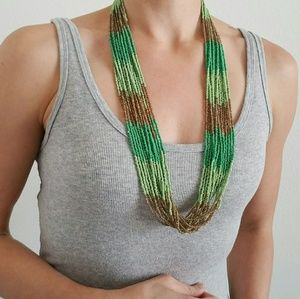 Jewelry - 1 DAY SALE! 💚 Beautiful Bead Necklace 💚